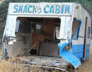 Ein Imbisswagen, der auf die Verschrottung wartet